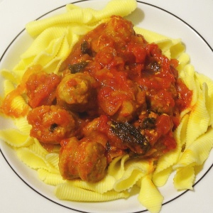 Salsiccia in Tomatensoße